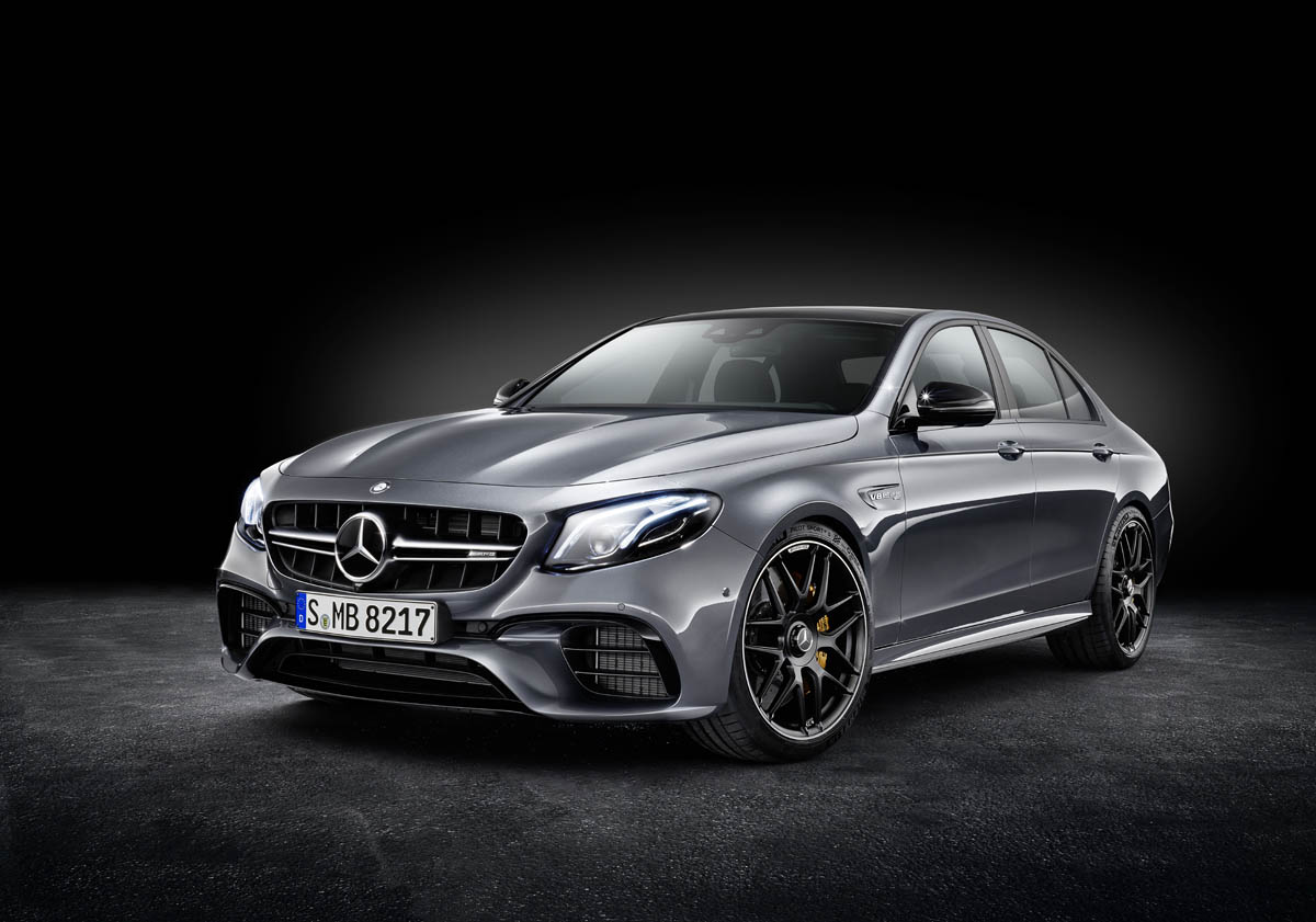 Mercedes-AMG E 63 S 4MATIC+, studio shot; Fuel consumption combined: 9,1 – 8,8 l/100 km; Combined CO2 emissions: 207 - 199 g/km