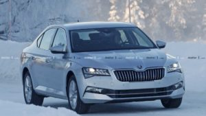 Škoda Superb facelift bez maske