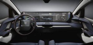 Da li su veliki displeji u modernim automobilima opasni u vožnji?
