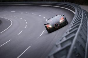 Bugatti Veyron pri punoj brzini troši 77,6 l/100 km!