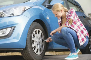 Kako provjeriti pritisak u gumama bez odlaska na pumpu?
