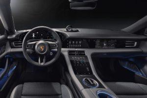 Porsche Taycan interijer