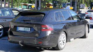 Nova Škoda Octavia Combi uslikana na testiranju