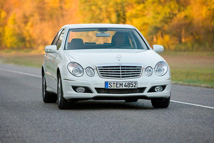 Mercedes E-klase (W211) poznat je po velikoj izdržljivosti mehanizama i prilično nestabilnoj elektronici.