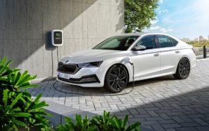 Škoda plug-in hibrid – savršena kombinacija električnog i motora s unutrašnjim sagorjevanjem