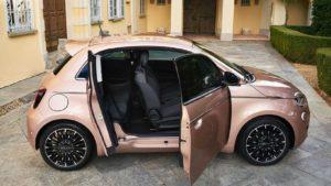 Fiat 500 Electric 3 + 1 nema smisla i zato je sjajan