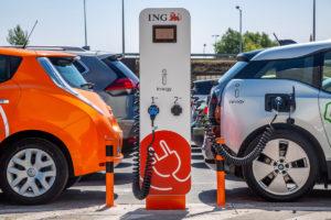 Evo kada će se izjednačiti cijena električnih vozila i onih na fosilna goriva
