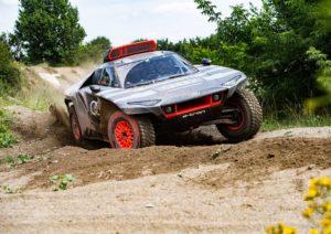 Električni roadster će učestvovati na reliju Dakar. Stiže Audi RS Q e-tron